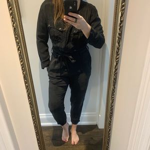 Country Road Black Silk Jumpsuit with pockets - L